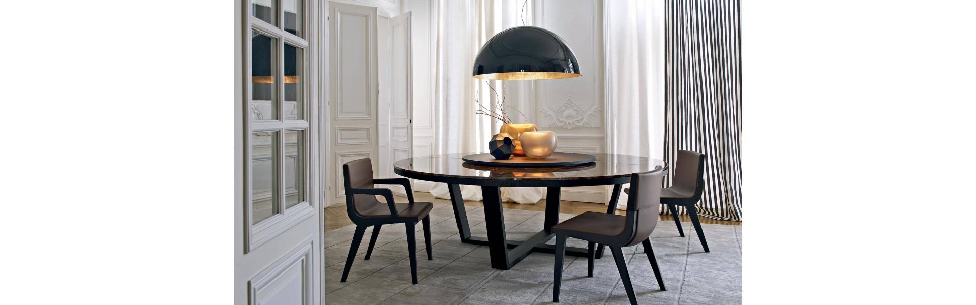 Столы как опора дома